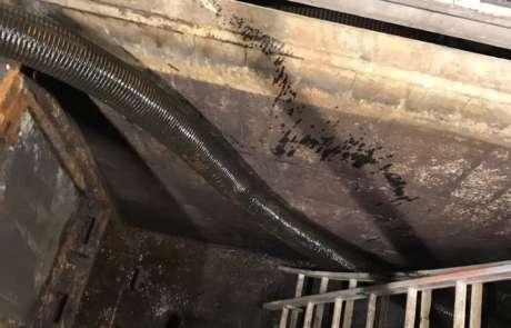 Slib zuigen uit watergoten voor Kloos Merofac Water
