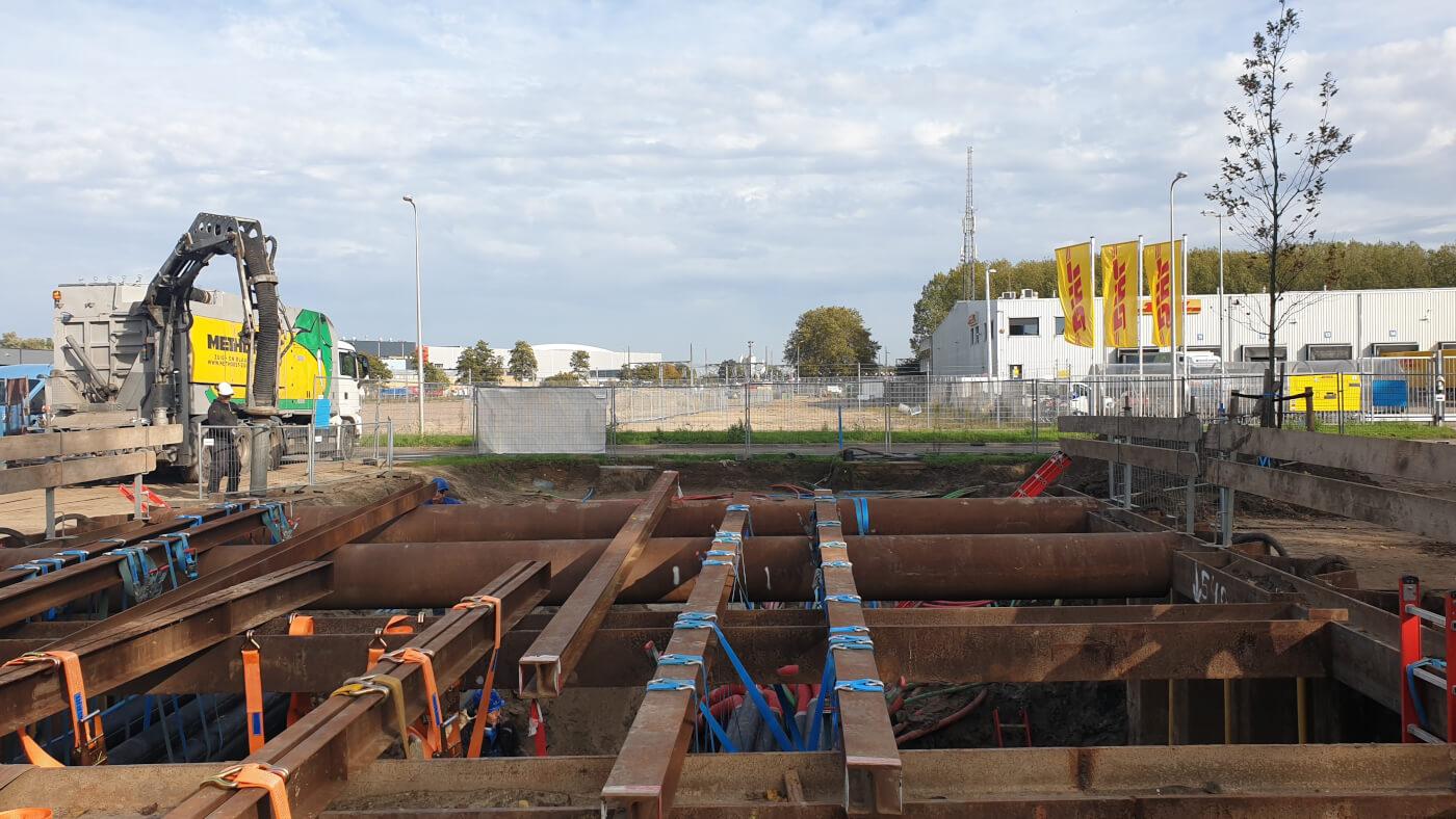 Kabels en leidingen vrijzuigen Reactorweg