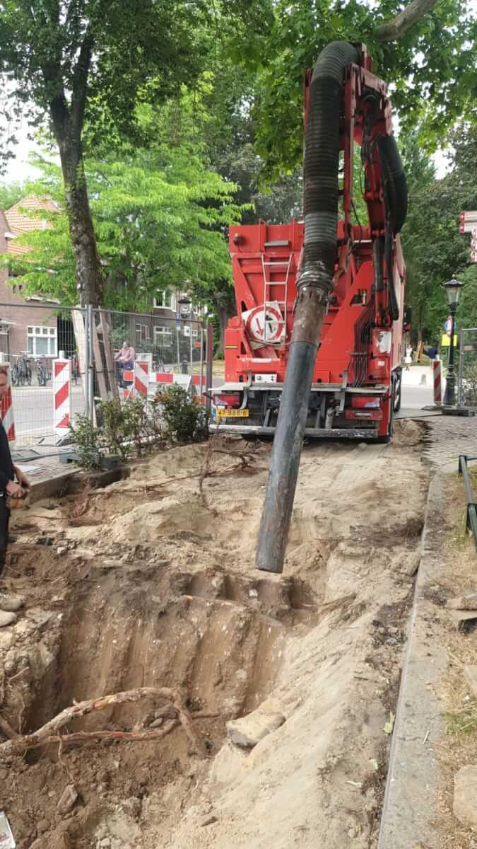 Methorst Zuigtechniek en Van den Heuvel | Boomwortels, kabels en leidingen vrijzuigen