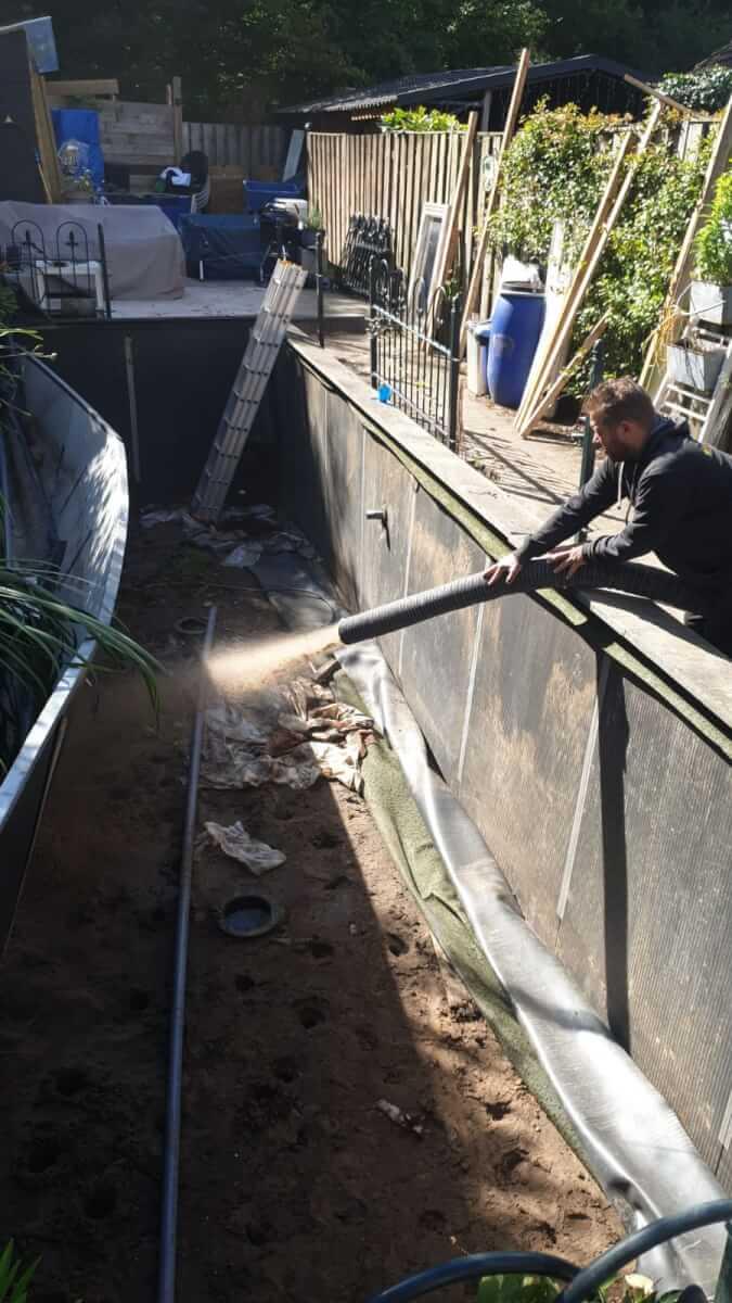 Zandblazen vijver dichten Methorst Zuig- en Blaastechniek Veenendaal