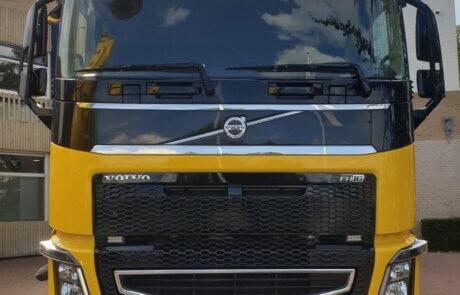 Blaaswagen Volvo - Methorst Zuig- en Blaastechniek Zandblazen in kruipruimte