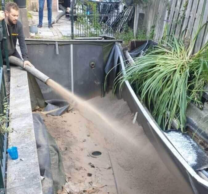 Zandblazen - zandspuiten - vijver dempen - Methorst